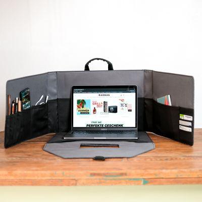 Mini bureau dans une mallette