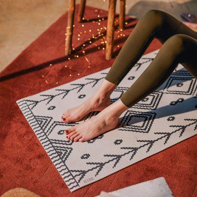 Tapis de yoga en différents motifs