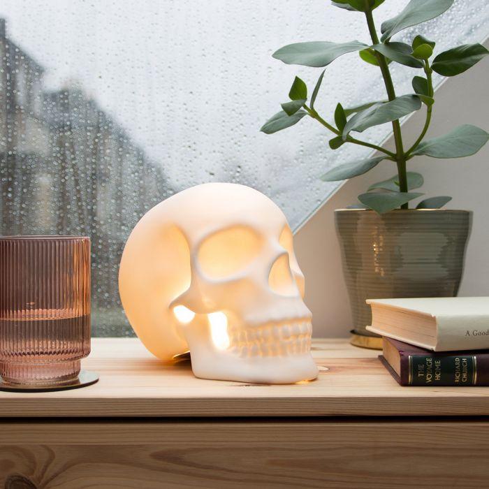 Lampe crâne humain
