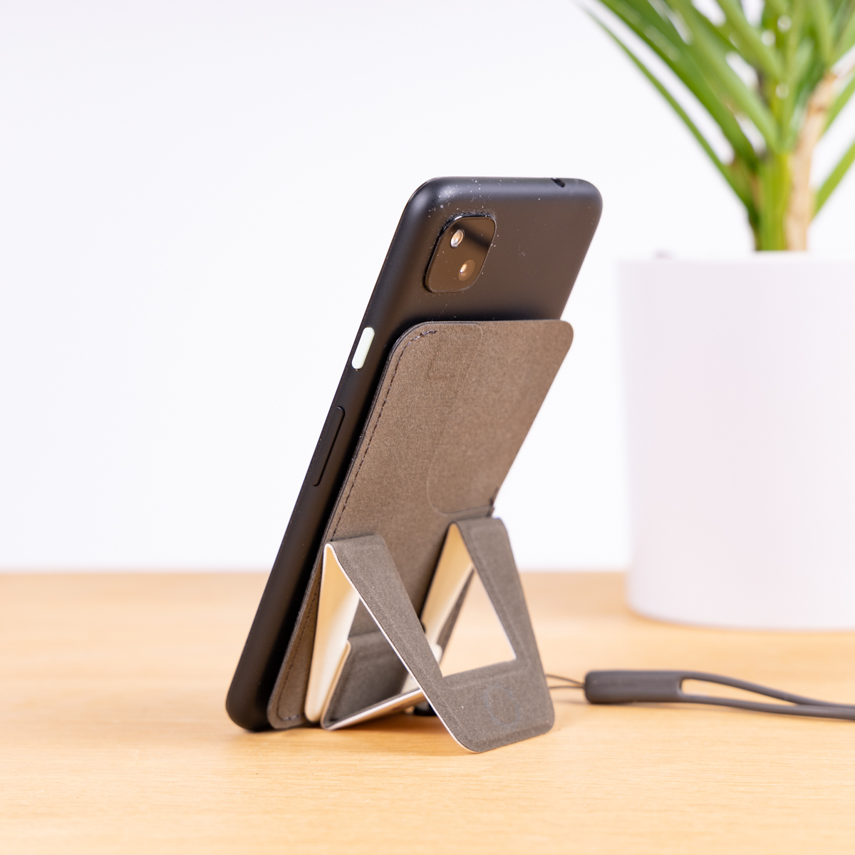 Support Smartphone avec compartiment pour cartes
