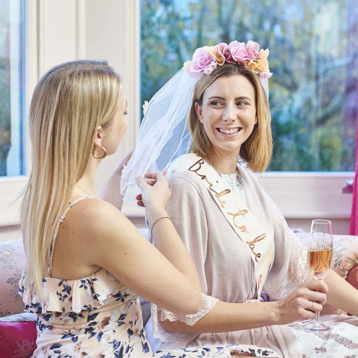 Voile de mariée avec des fleurs