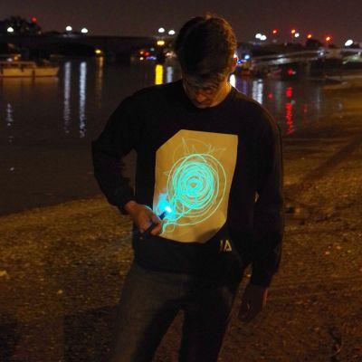 Mardi Gras - Glow Sweat-shirt interactif