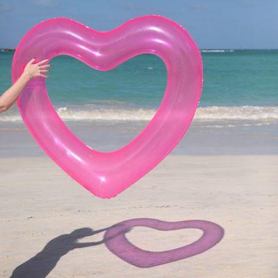 Cadeau 20 ans - Bouée Gonflable Cœur Rose