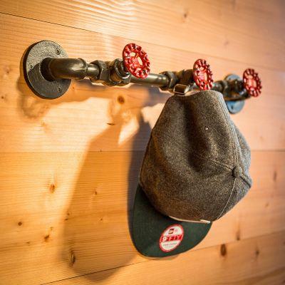 Objets Rétro & Vintage - Pipeline crochet garde-robe en métal