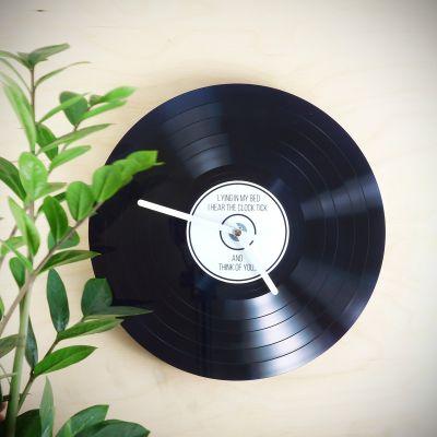 Objets Rétro & Vintage - Horloge personnalisable Vinyle